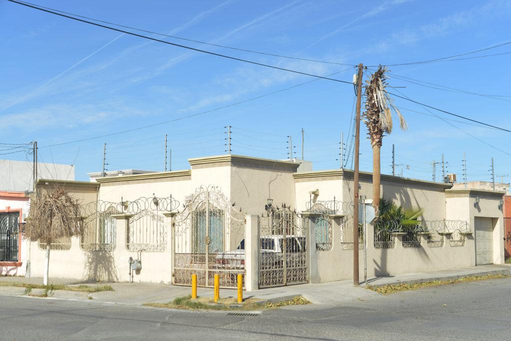 techo con cerca electrificada